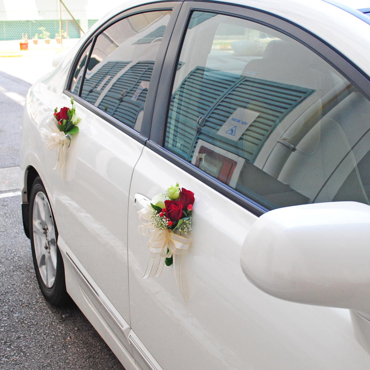 WCD1702 Carriage to Paradise fresh flower bridal car deco