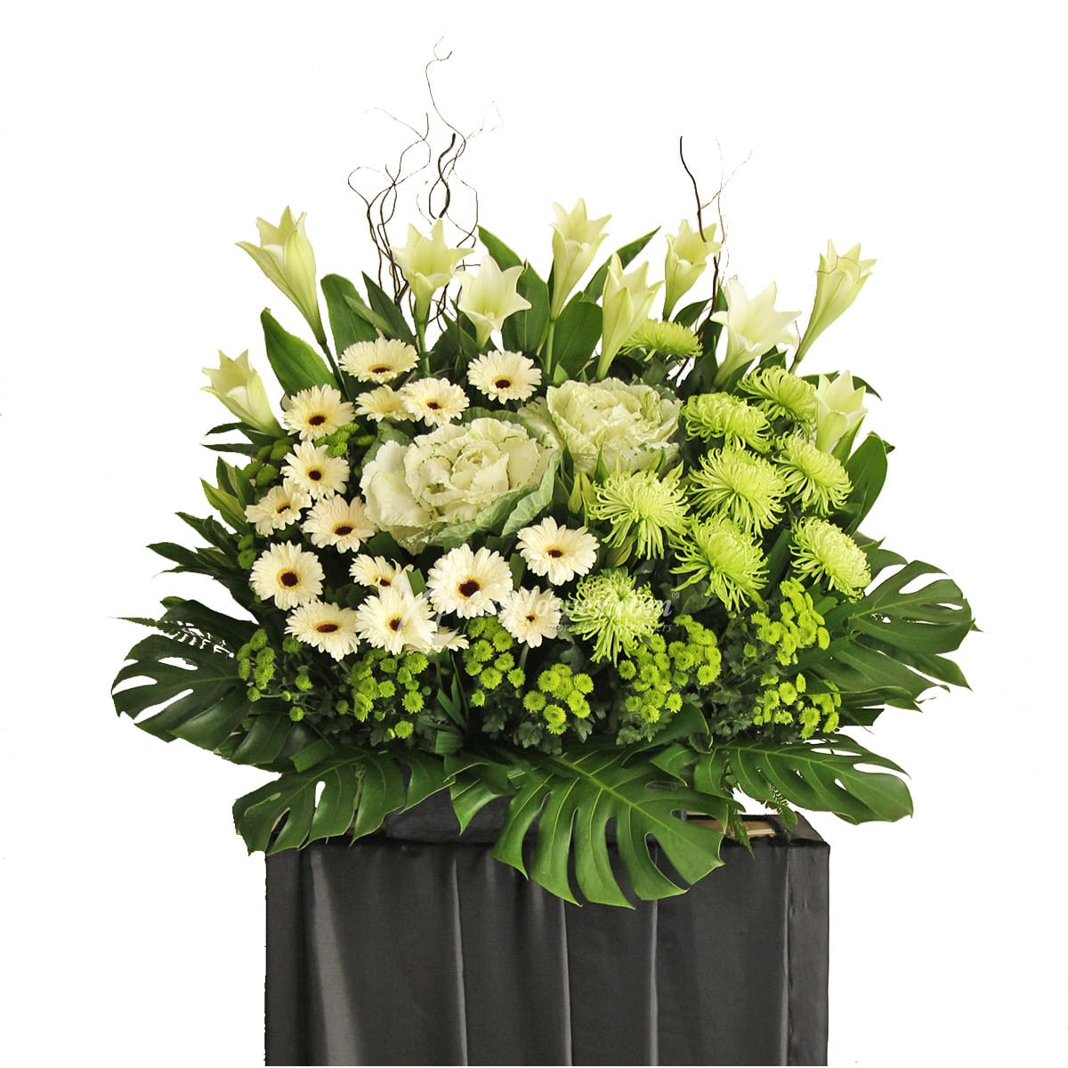 SC1704 Enduring Beset Wreath Funeral & Condolence Flower Stands