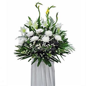 Purest Embrace (Wreath)