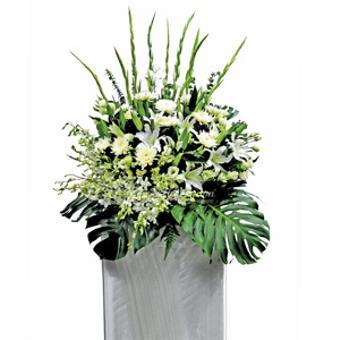 Silent Solemnity (Wreath)