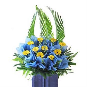 Lighthearted Farewell (Wreath)