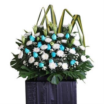 Solemn Comfort (Wreath)