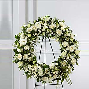 WHITE ROUND WREATH (US)