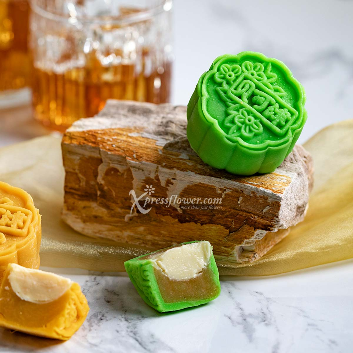 MAF1985 Love and Moon flower and mooncake