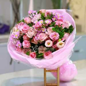 BOUQUET IN PINKS (VN)