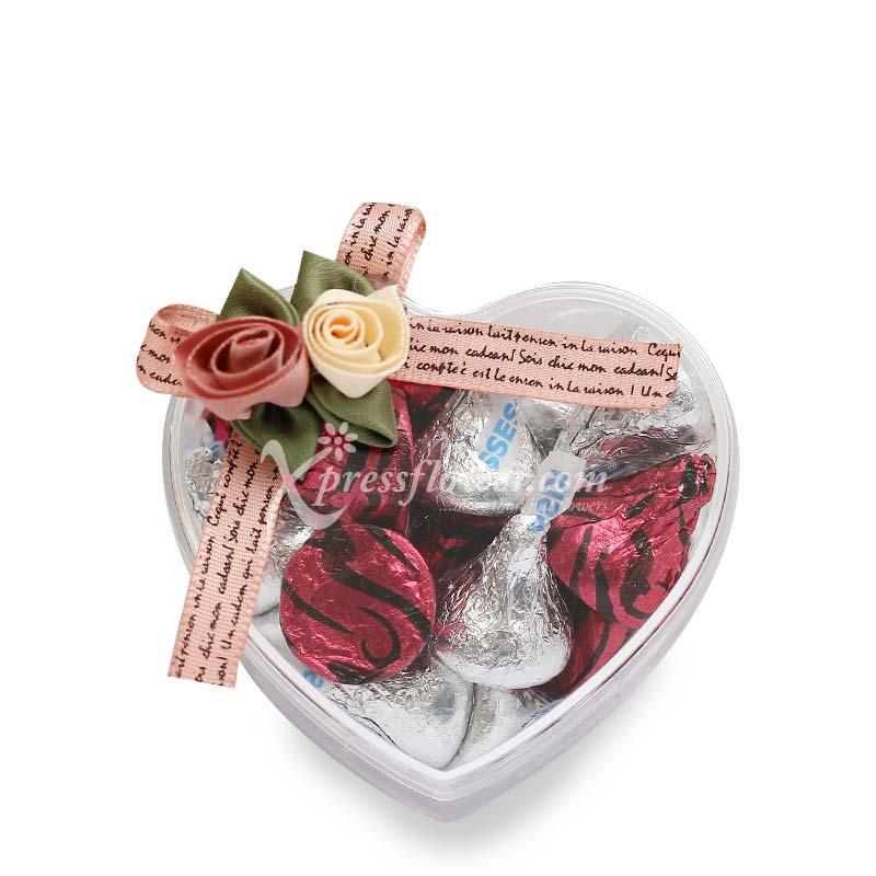 Kisses in Mini Heart