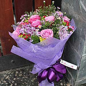 MIXED SEASONAL FLOWER BOUQUET (VN)