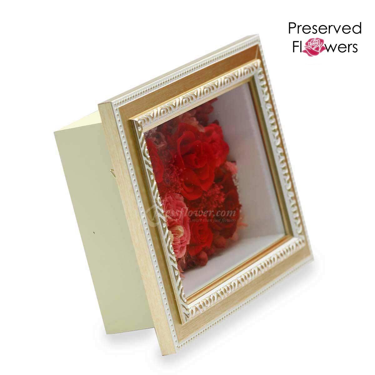 PR1903 Unwavering Hearts Preserved flower