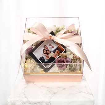 Delicate Intentions (Preserved Flowers with personalised photo and LED lights)