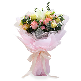 Blooming Chic (1 white lily & 3 pink roses)