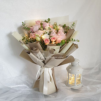 Champagne Dreams (9 Pink Roses with LED lights)