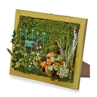 Beauté Jaune (Moss art with preserved flowers)